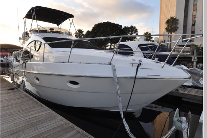 10 2001 AZIMUT 42 Flybridge Cruiser 2740320