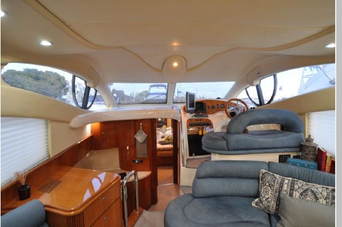 27 2001 AZIMUT 42 Flybridge Cruiser 2740325