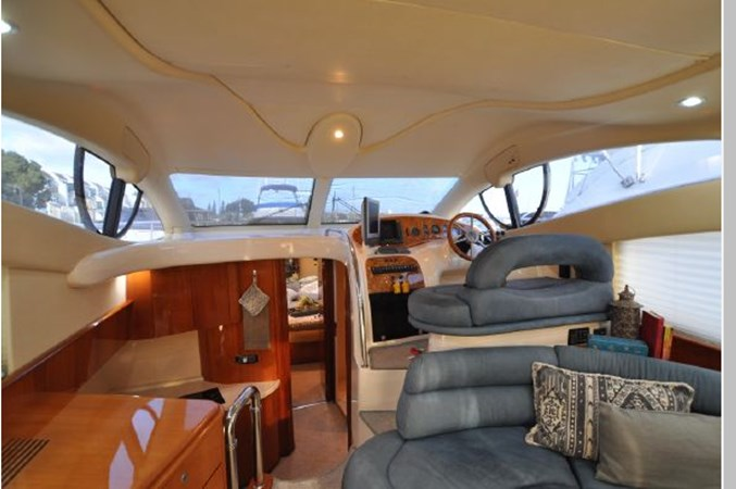 26 2001 AZIMUT 42 Flybridge Cruiser 2740332