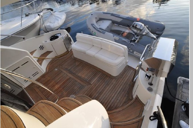 15 2001 AZIMUT 42 Flybridge Cruiser 2740337