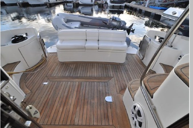 66 2001 AZIMUT 42 Flybridge Cruiser 2740343