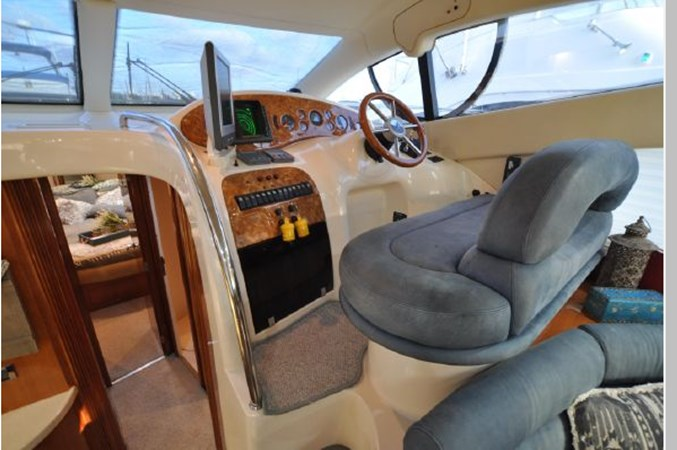 28 2001 AZIMUT 42 Flybridge Cruiser 2740345