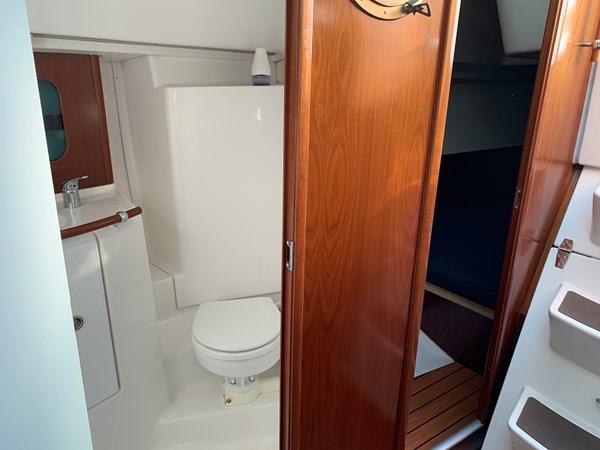 039 2005 BENETEAU 331 Sloop Cruising Sailboat 2743472
