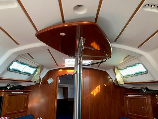 048 2005 BENETEAU 331 Sloop Cruising Sailboat 2743482