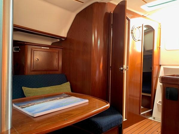 031 2005 BENETEAU 331 Sloop Cruising Sailboat 2743483