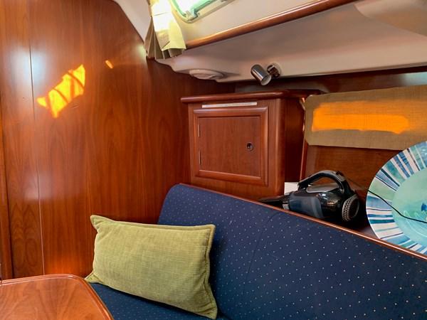 029 2005 BENETEAU 331 Sloop Cruising Sailboat 2743484