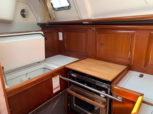 024 2005 BENETEAU 331 Sloop Cruising Sailboat 2743485