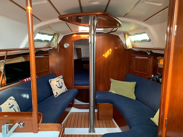 049 2005 BENETEAU 331 Sloop Cruising Sailboat 2743486