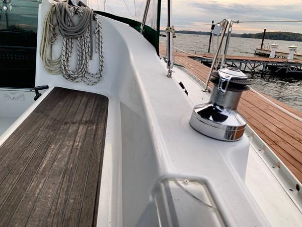 015 2005 BENETEAU 331 Sloop Cruising Sailboat 2743493