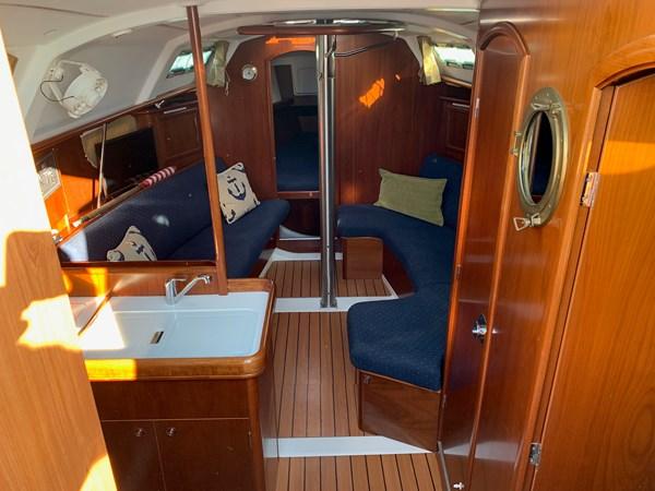 023 2005 BENETEAU 331 Sloop Cruising Sailboat 2743496