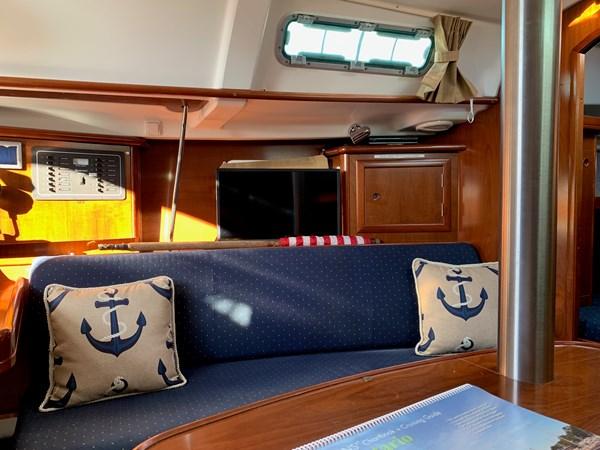 027 2005 BENETEAU 331 Sloop Cruising Sailboat 2743497