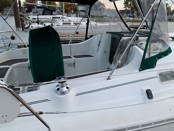 0007 2005 BENETEAU 331 Sloop Cruising Sailboat 2743499