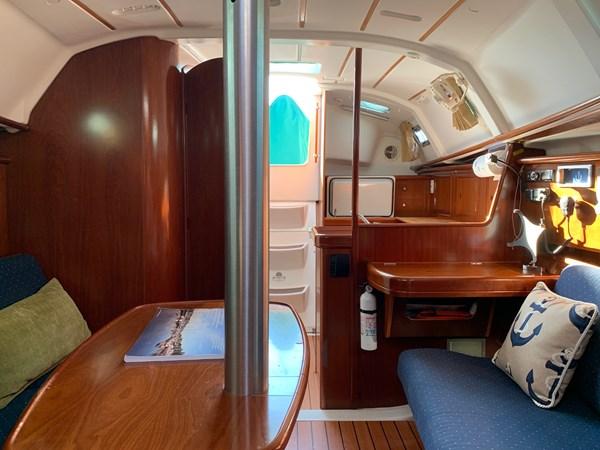 034 2005 BENETEAU 331 Sloop Cruising Sailboat 2743500