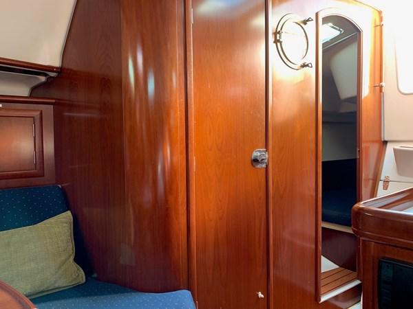 046 2005 BENETEAU 331 Sloop Cruising Sailboat 2743505