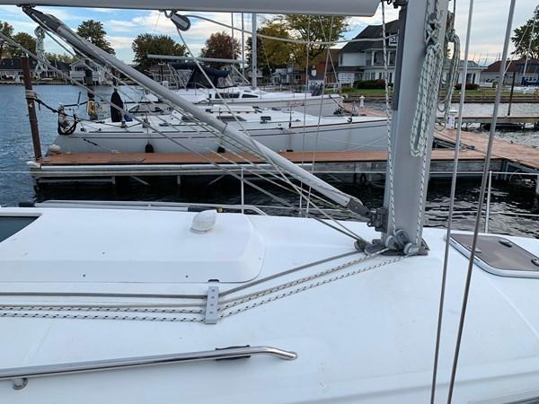 014 2005 BENETEAU 331 Sloop Cruising Sailboat 2743510