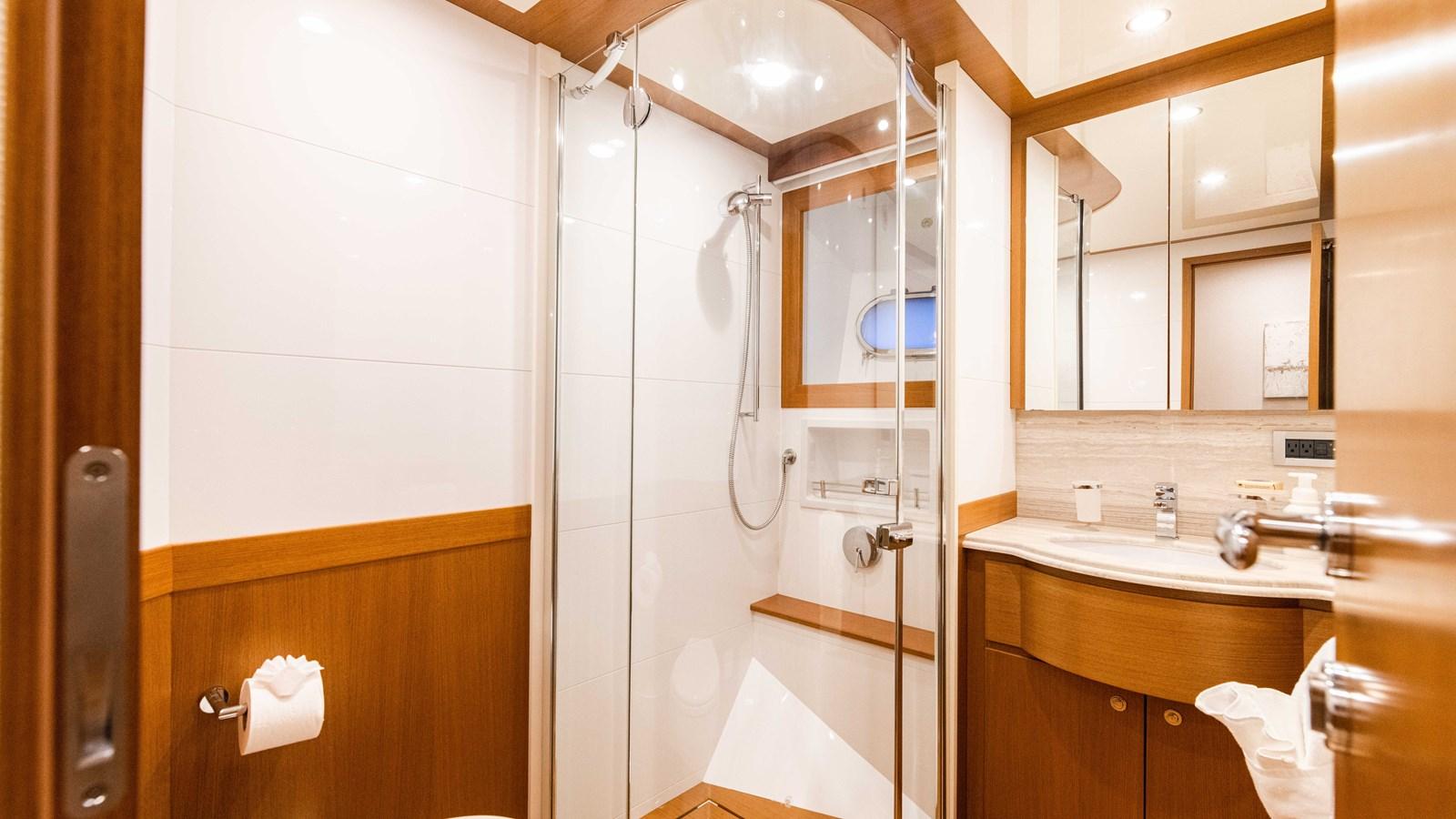 Port Head 2015 FERRETTI YACHTS  Motor Yacht 2883165