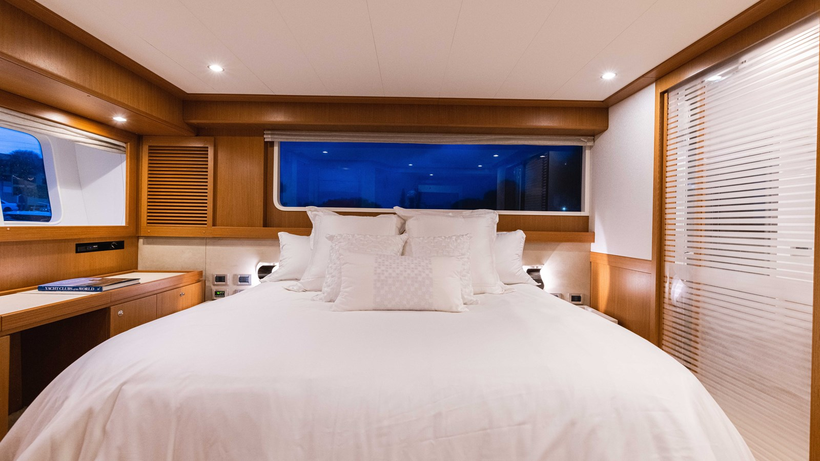 Master Stateroom 2015 FERRETTI YACHTS  Motor Yacht 2883174