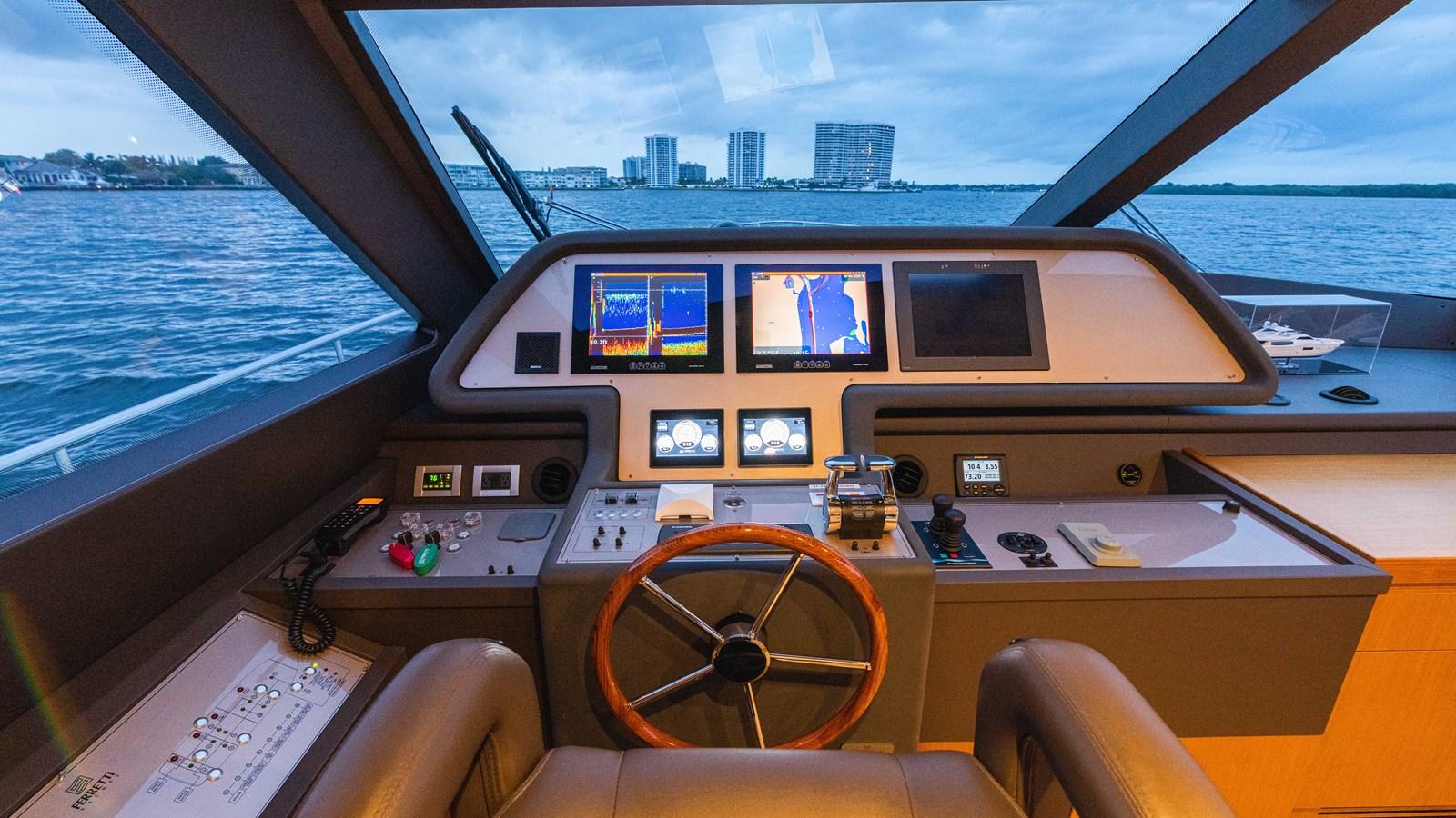 Lower Helm 2015 FERRETTI YACHTS  Motor Yacht 2883204