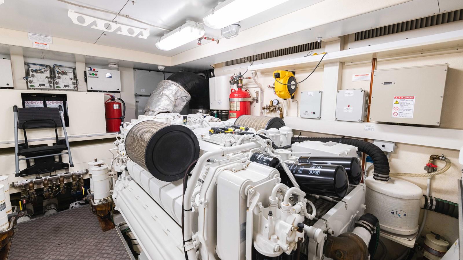 Port Engine 2015 FERRETTI YACHTS  Motor Yacht 2883232