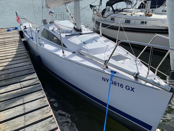 001 2015 CATALINA 275 Sport Cruising/Racing Sailboat 2743608
