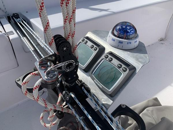 027 2015 CATALINA 275 Sport Cruising/Racing Sailboat 2743632