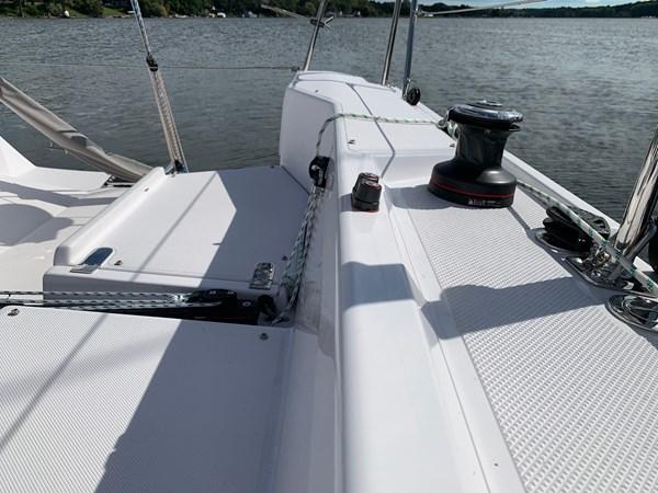 015 2015 CATALINA 275 Sport Cruising/Racing Sailboat 2743635
