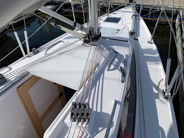 020 2015 CATALINA 275 Sport Cruising/Racing Sailboat 2743641