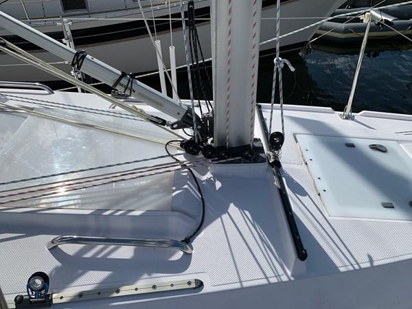 008 2015 CATALINA 275 Sport Cruising/Racing Sailboat 2743642