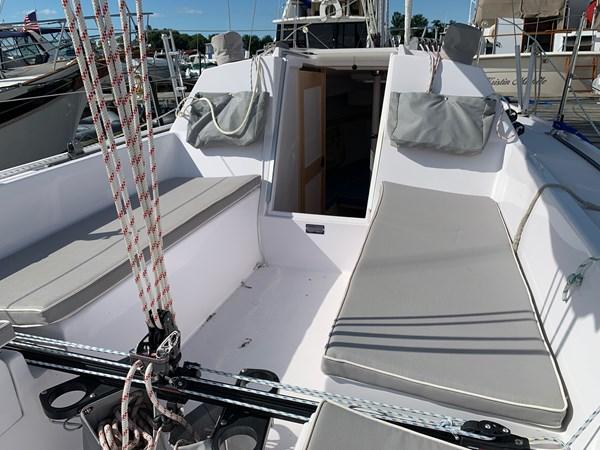 017 2015 CATALINA 275 Sport Cruising/Racing Sailboat 2743645