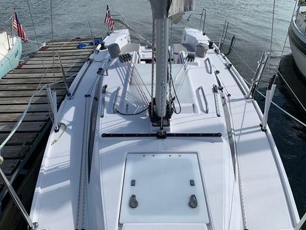 019 2015 CATALINA 275 Sport Cruising/Racing Sailboat 2743649