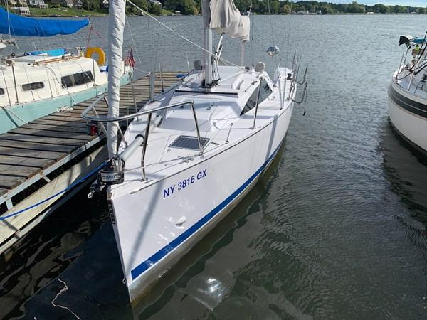 002 2015 CATALINA 275 Sport Cruising/Racing Sailboat 2743650