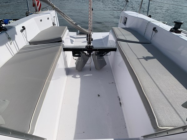 046 2015 CATALINA 275 Sport Cruising/Racing Sailboat 2743653