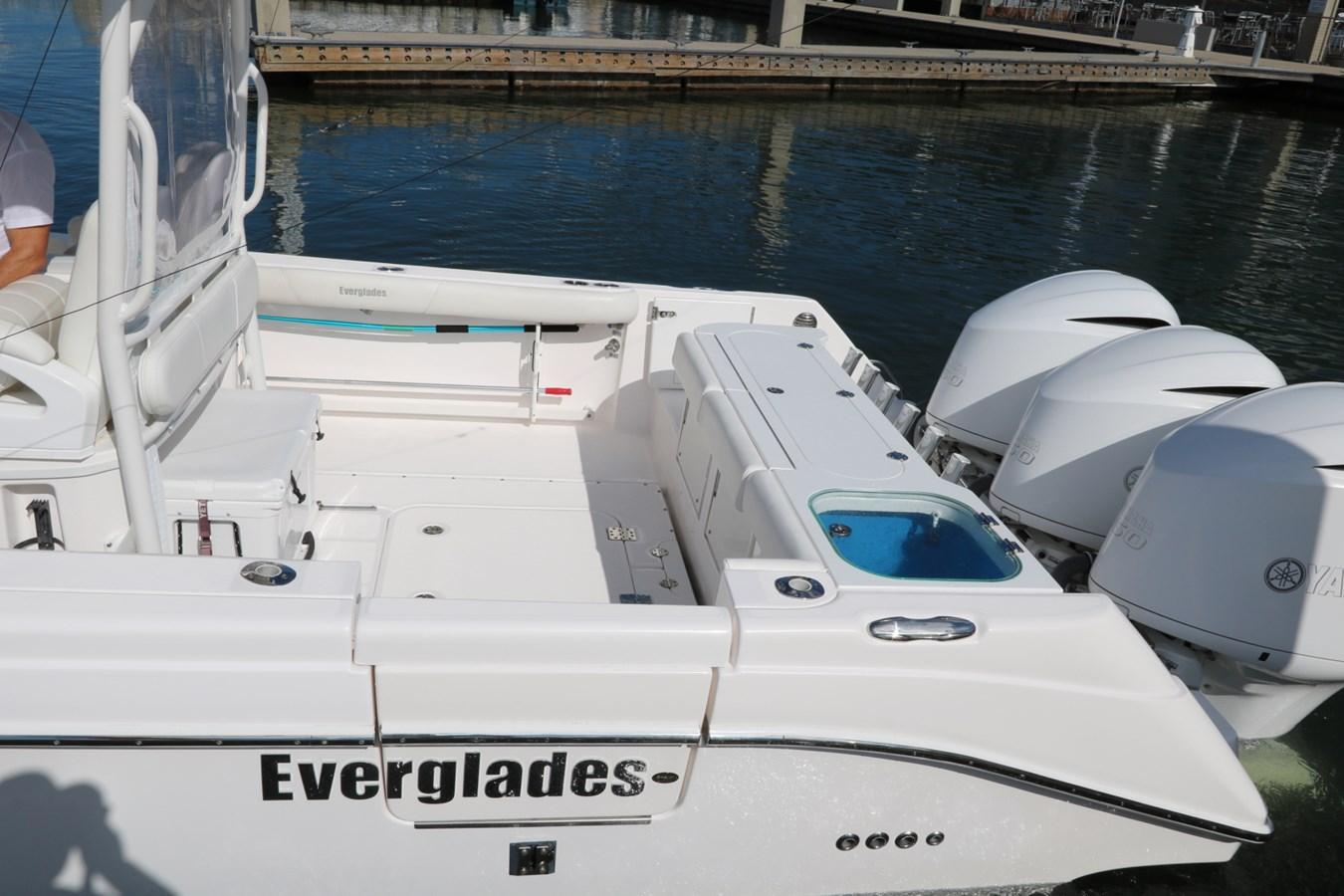 2015 Everglades 350LX 2015 EVERGLADES 350LX Walkaround 2743766