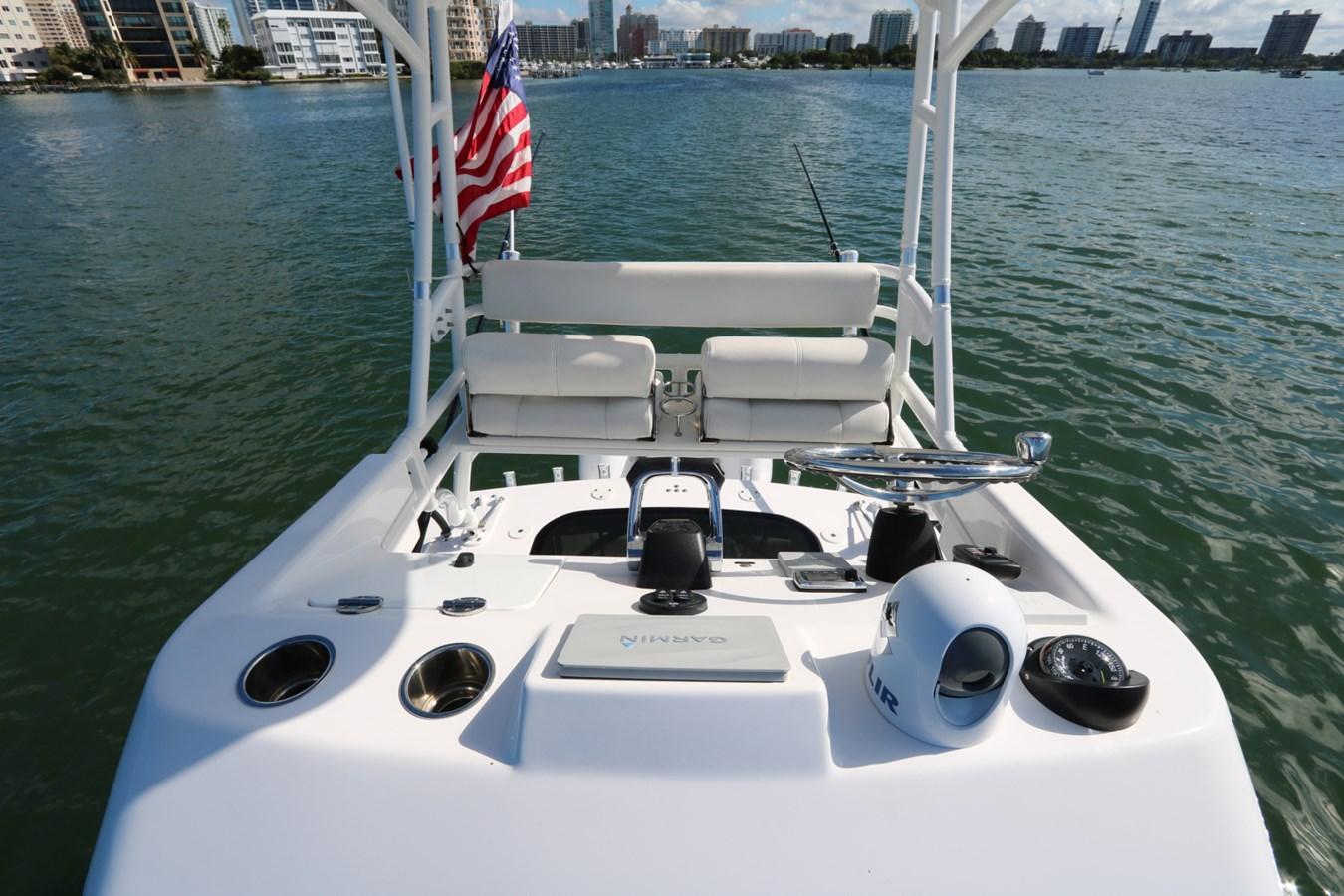2015 Everglades 350LX 2015 EVERGLADES 350LX Walkaround 2743772