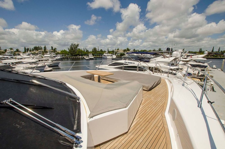 115-2015-Sunseeker-Sport-Yacht-02
