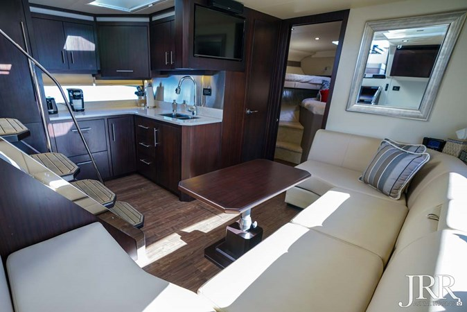 Salon Seating 2017 REGAL 53 Sport Coupe Motor Yacht 2745547