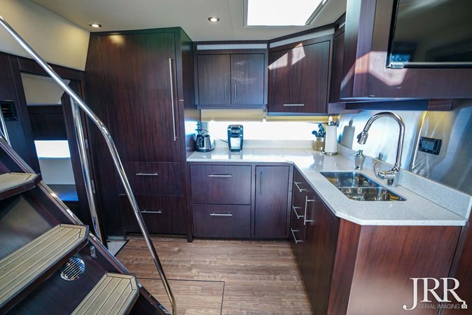 Galley 2017 REGAL 53 Sport Coupe Motor Yacht 2745561