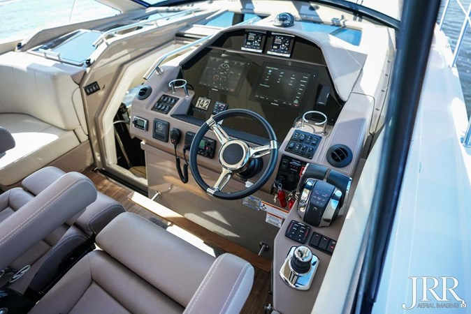 Helm 2017 REGAL 53 Sport Coupe Motor Yacht 2745571