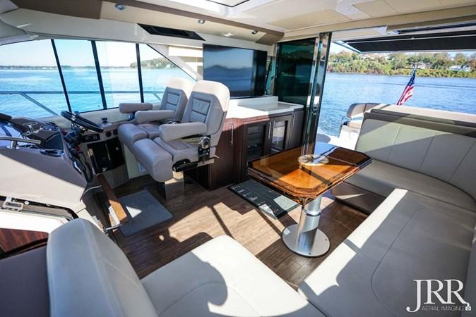 Aft Salon 2017 REGAL 53 Sport Coupe Motor Yacht 2745579