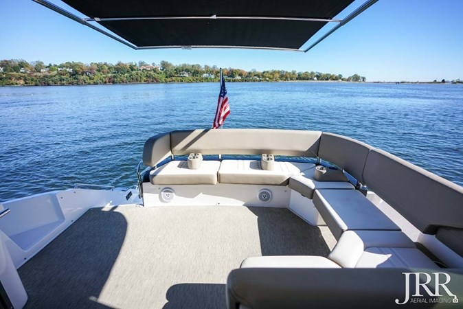 Cockpit and SureShade 2017 REGAL 53 Sport Coupe Motor Yacht 2745582