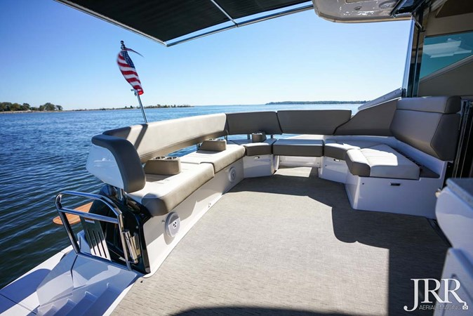 Cockpit Seating 2017 REGAL 53 Sport Coupe Motor Yacht 2745583