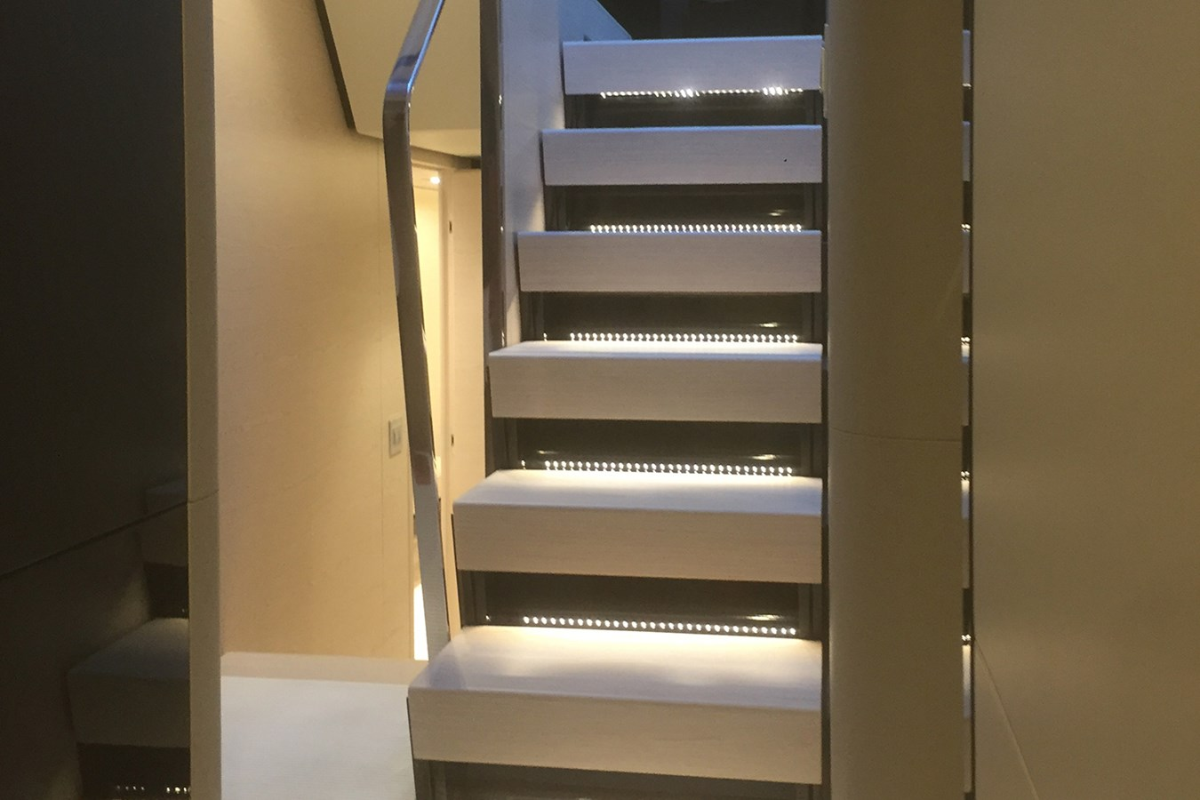 Steps to lower deck 2018 AZIMUT 80 Motor Yacht 2746623