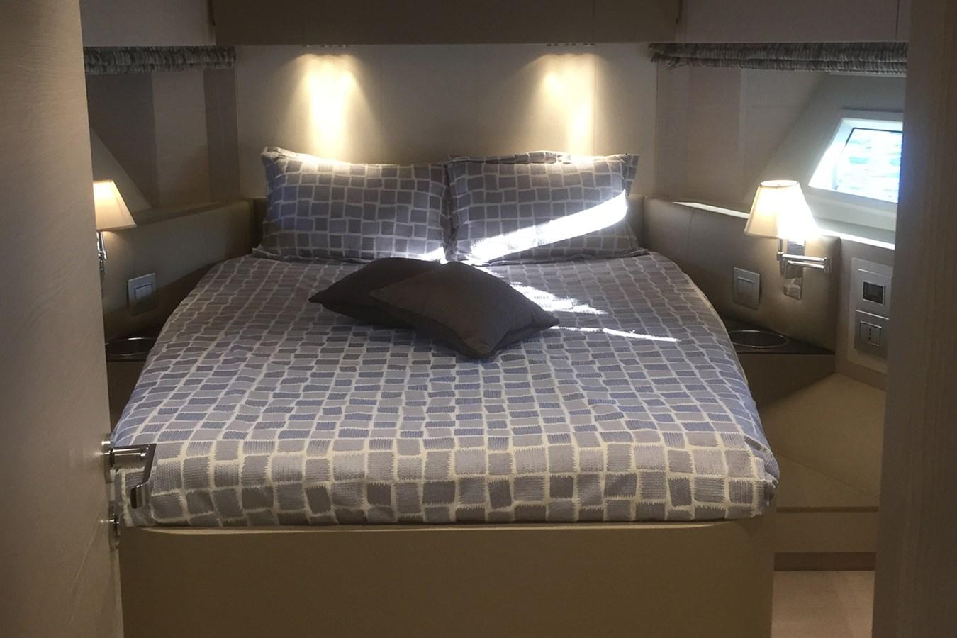VIP cabin 2018 AZIMUT 80 Motor Yacht 2746632