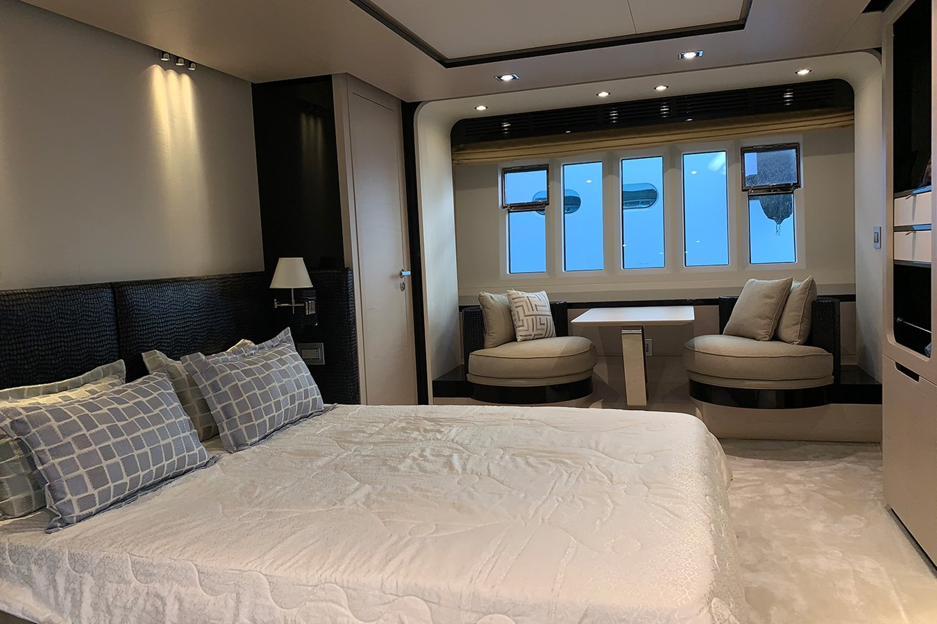 Master cabin 2018 AZIMUT 80 Motor Yacht 2746638