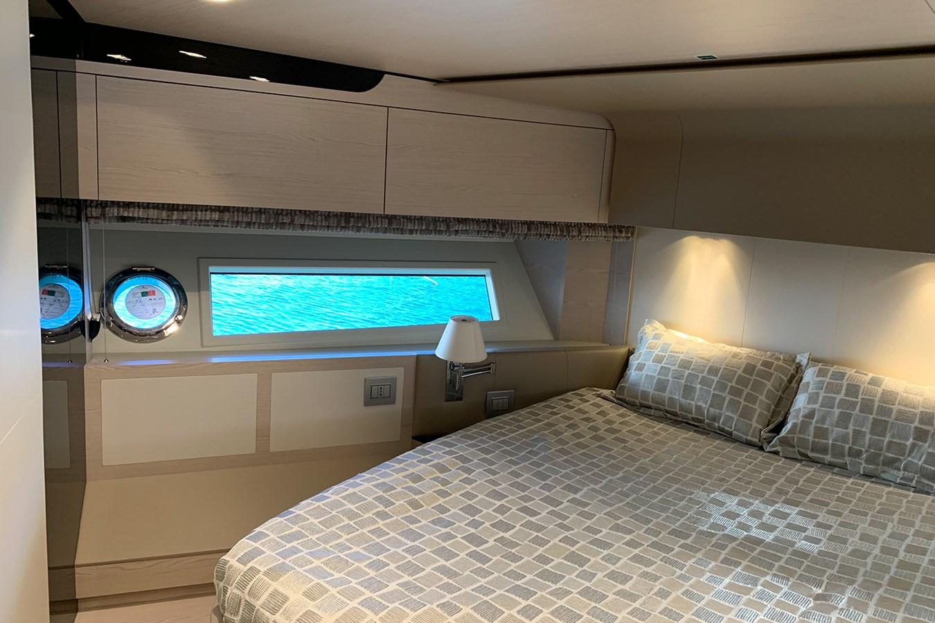 VIP cabin 2018 AZIMUT 80 Motor Yacht 2746639
