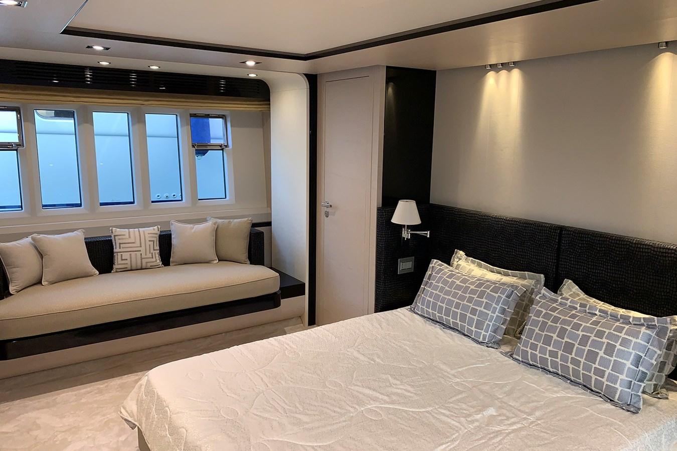 Master cabin 2018 AZIMUT 80 Motor Yacht 2746643