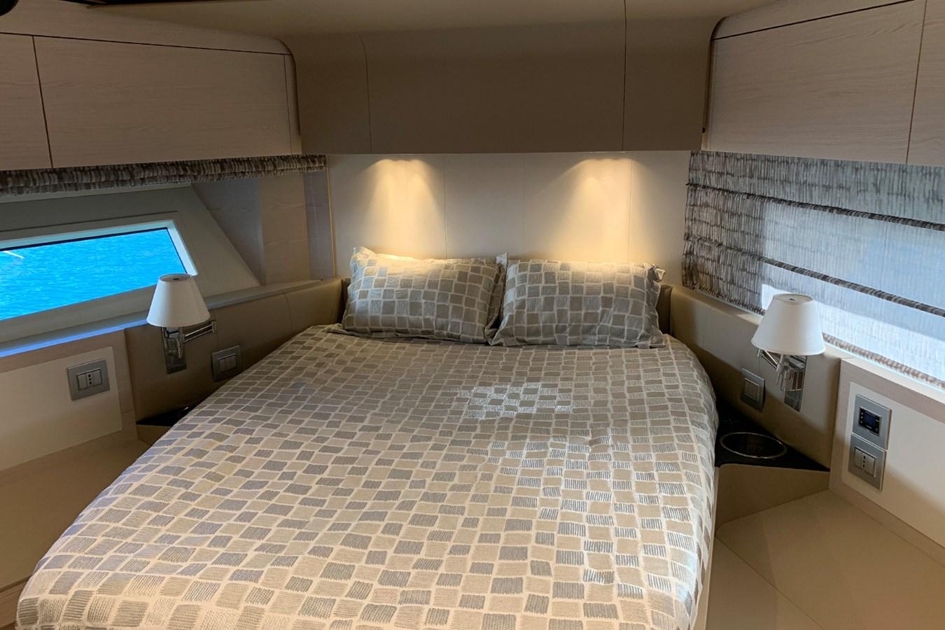 VIP cabin 2018 AZIMUT 80 Motor Yacht 2746647