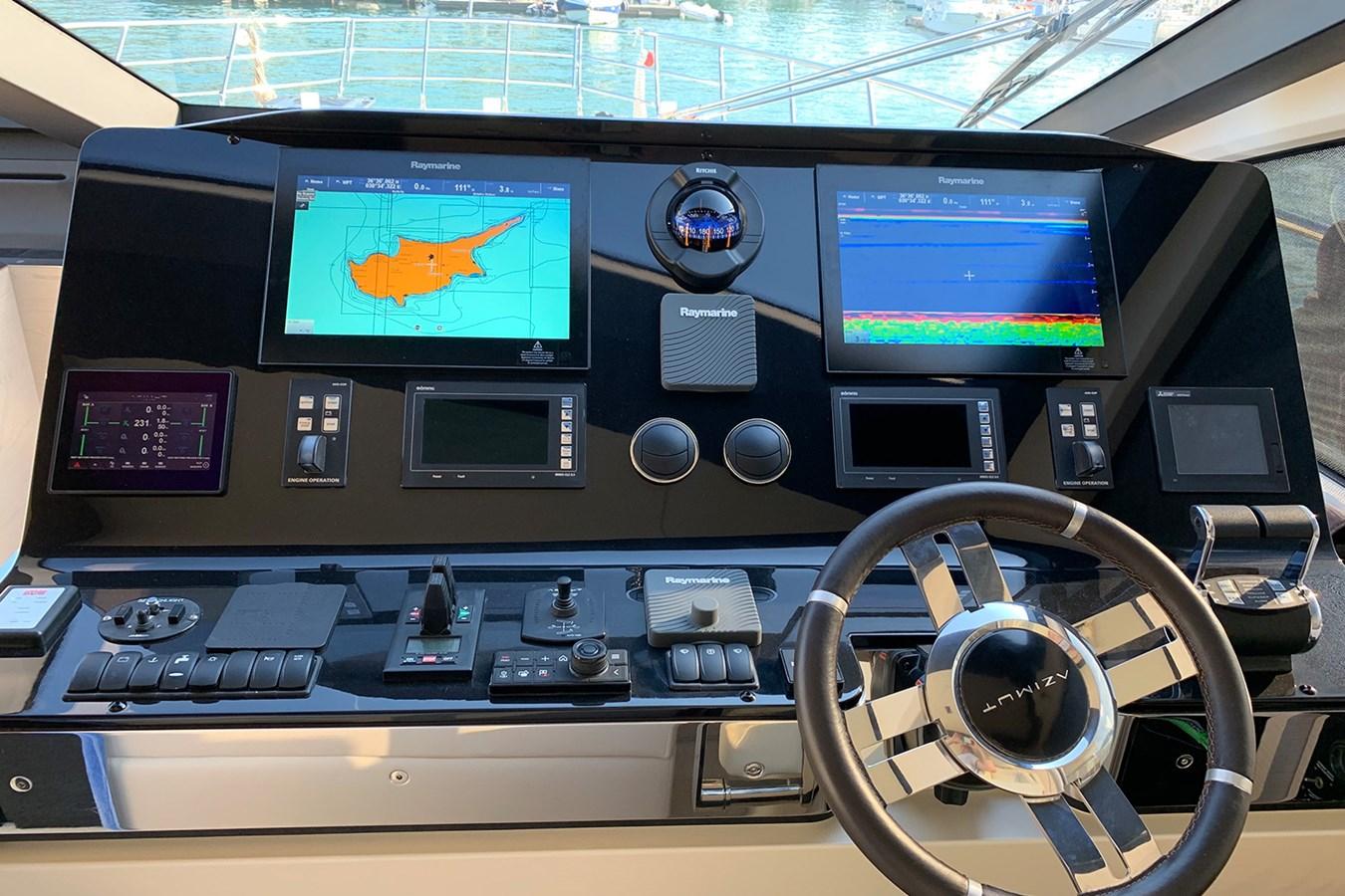 Main helm station 2018 AZIMUT 80 Motor Yacht 2746654