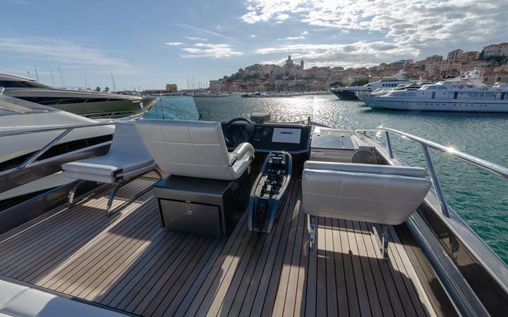 14695.3 2018 PERSHING  Motor Yacht 2747917