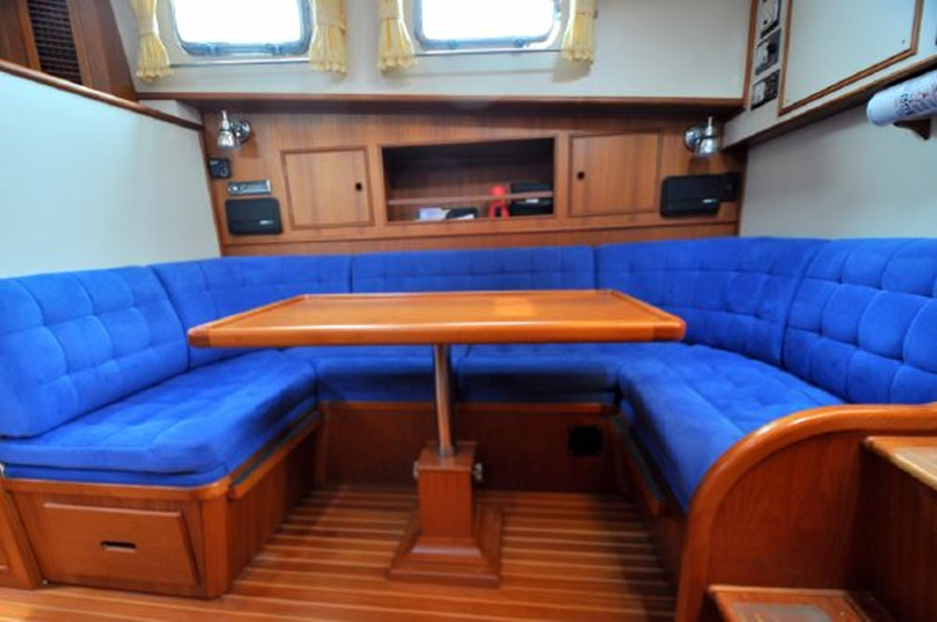 1995 GRAND BANKS Eastbay EX Motor Yacht 2978556
